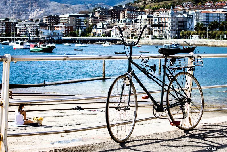Bajando en bici al puerto
