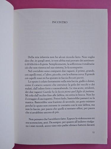 Édouard Louis, Il caso Eddy Bellegueule. Bompiani 2014. Progetto grafico: Polystudio; Imm. alla cop.: ©Hans Neleman/Corbis; fotog. dell'autore: John Foley/Seuil. Incipit, a pag. 11 (part.), 1