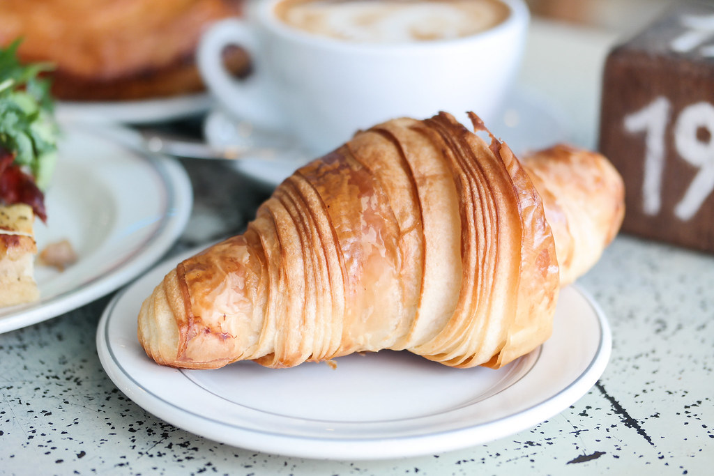 Tiong Bahru Bakery: Croissant