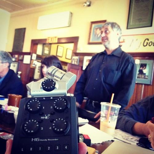 Barry Dennis of Hunt Photo shows Zoom H6 at #bmm
