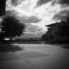 Clouds over campus #monochrome #monochromephotography #monochromephotograph #monochromephoto #monochromatic #blackandwhitephotography #blackandwhitephoto #blackandwhite #bwphoto #bwphotography #urbanphotography #urbanlandscape #nlc #northeastlakeview #clo