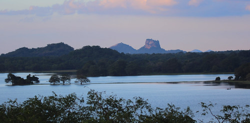 srilanka sigiriya kandalama sunset