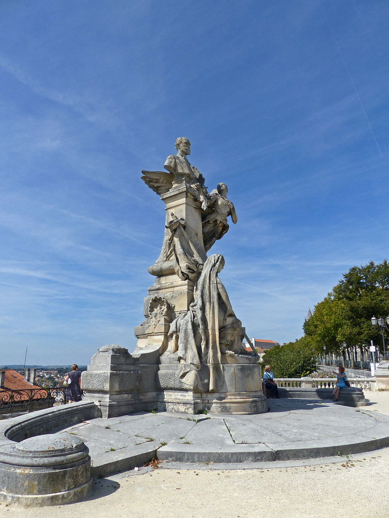 Angoulême - Remparts - Statue of President Carnot