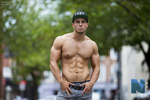 Oliver Russell fitness model.