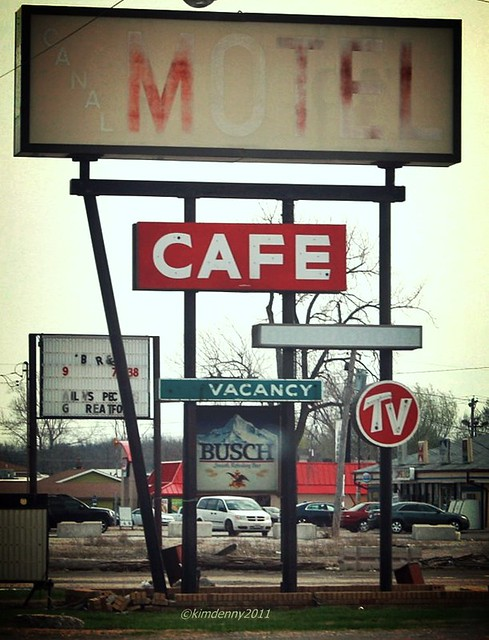 Canal Motel and Cafe