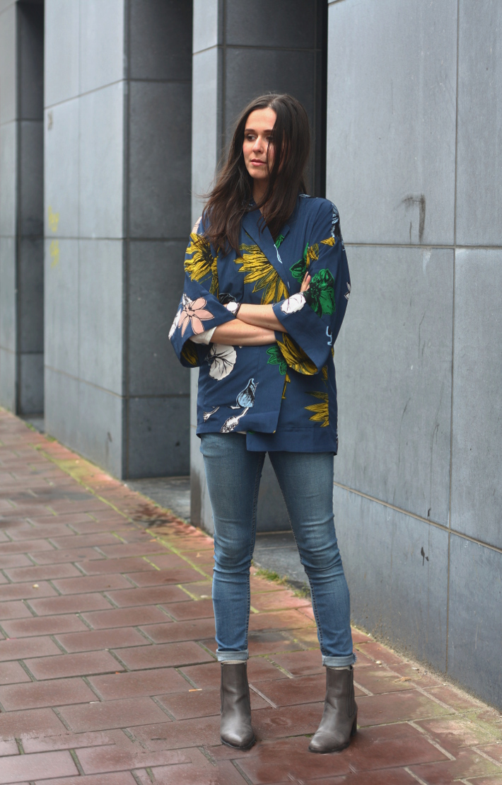 cheap monday skinny jeans oasap kimono chelsea boots