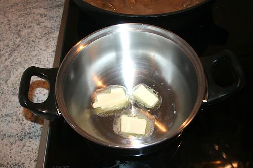 38 - Butter schmelzen / Melt butter