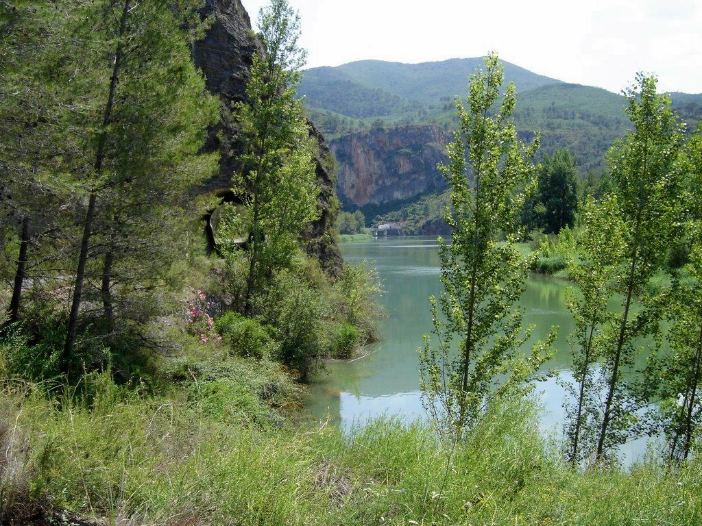 Embalse del río Mijares en Cirat. Autor, ramonriera
