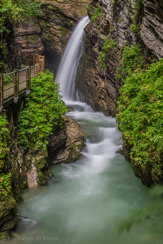 schweiz landschaftlandscape sanktgallen naturnature wasserfallwaterfall wasserwater thurfälle flussriver langzeitbelichtunglongtimeexposure unterwassersg