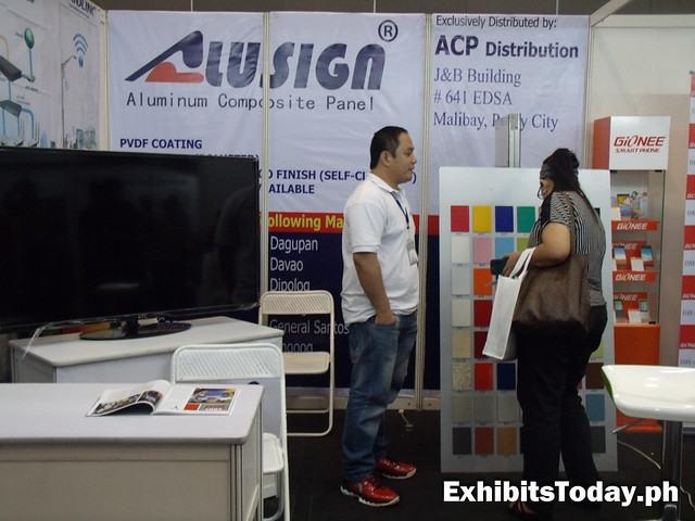Alusign Exhibit stand