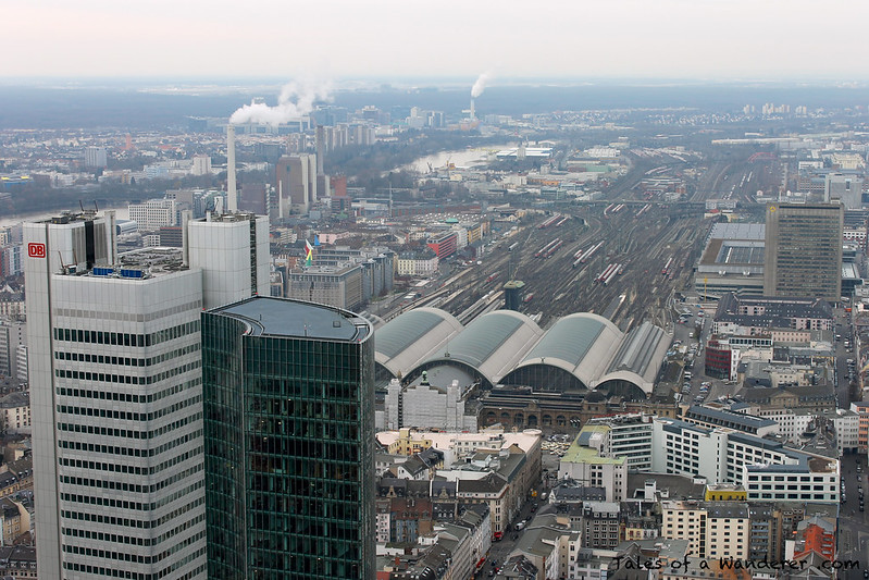 FRANKFURT AM MAIN - Main Tower - Silberturm / Frankfurt (Main) Hauptbahnhof
