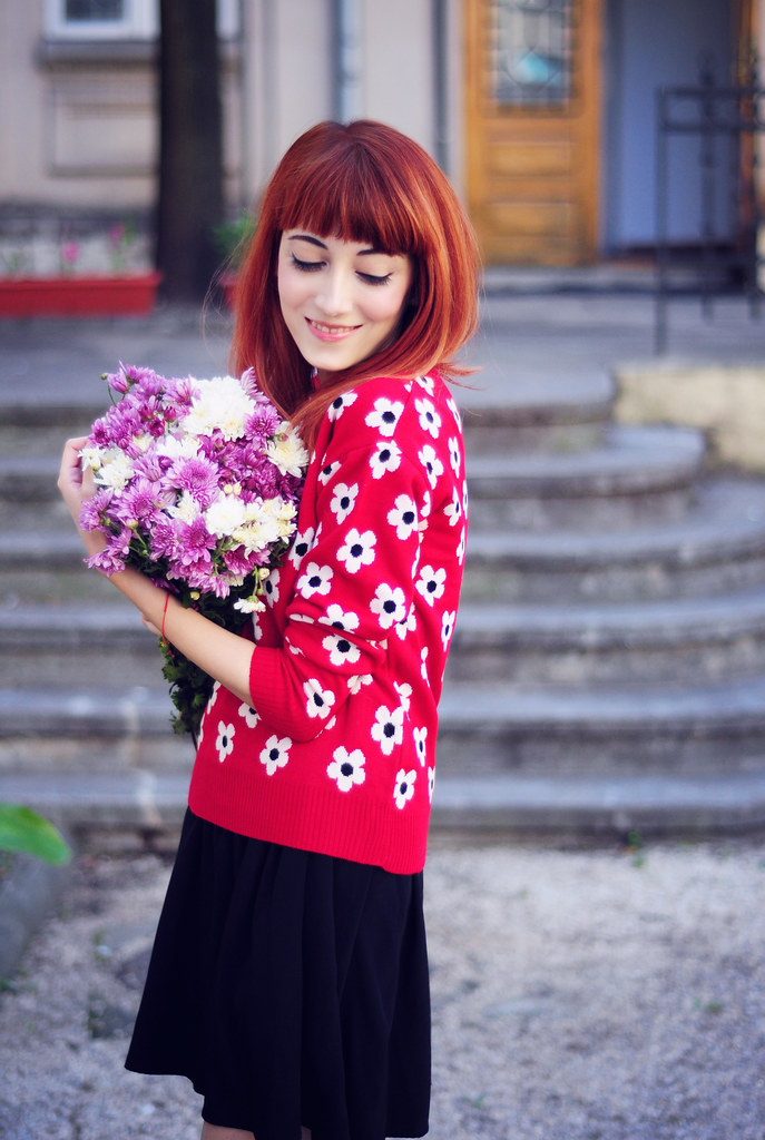 Red floral print  sweater