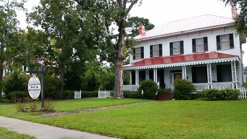 20140929_143905  2014-09-29 Built 1868 Anna Davant house 106 Central Boulevard Guyton GA Claudettes's Bead and Breakfast Drive Home from Hilton Head