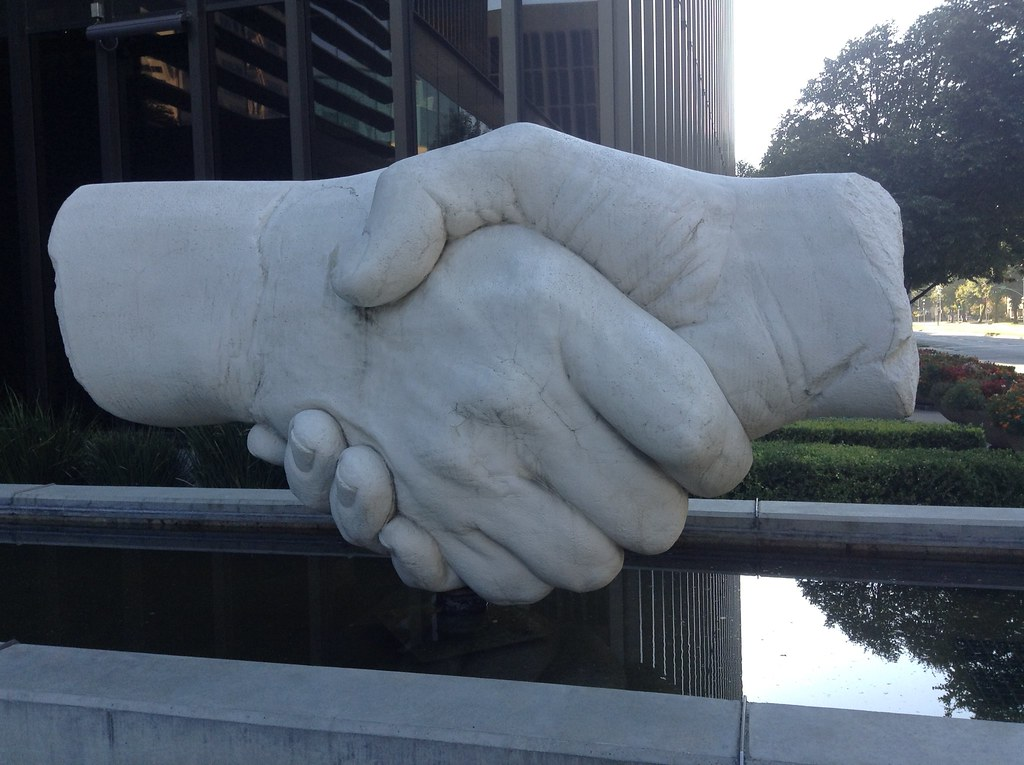 shaking-hands_CapitolMall