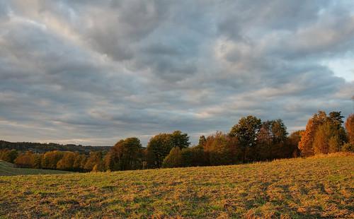 autumn sunset sky fall field clouds landscape mark 28mm pasture hdr västragötaland västergötland warmcolours 3exposurehdr sjuhärad hjorttorp