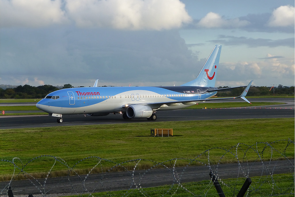G-TAWD - B738 - TUI Airways