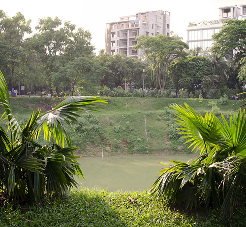 park city travel sunset urban lake travelling asian pond asia cityscape dhaka bangladesh citycentre lateafternoon southasia southasian bangladeshi travelphotography gulshan walkingpark dhakadivision gulshan2
