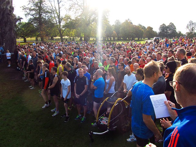 Ray Coward addressing the 885 parkrunners