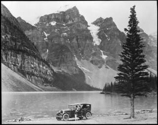 Moraine Lake, Banff National Park, Alberta / Lac Moraine, parc national Banff (Alberta)