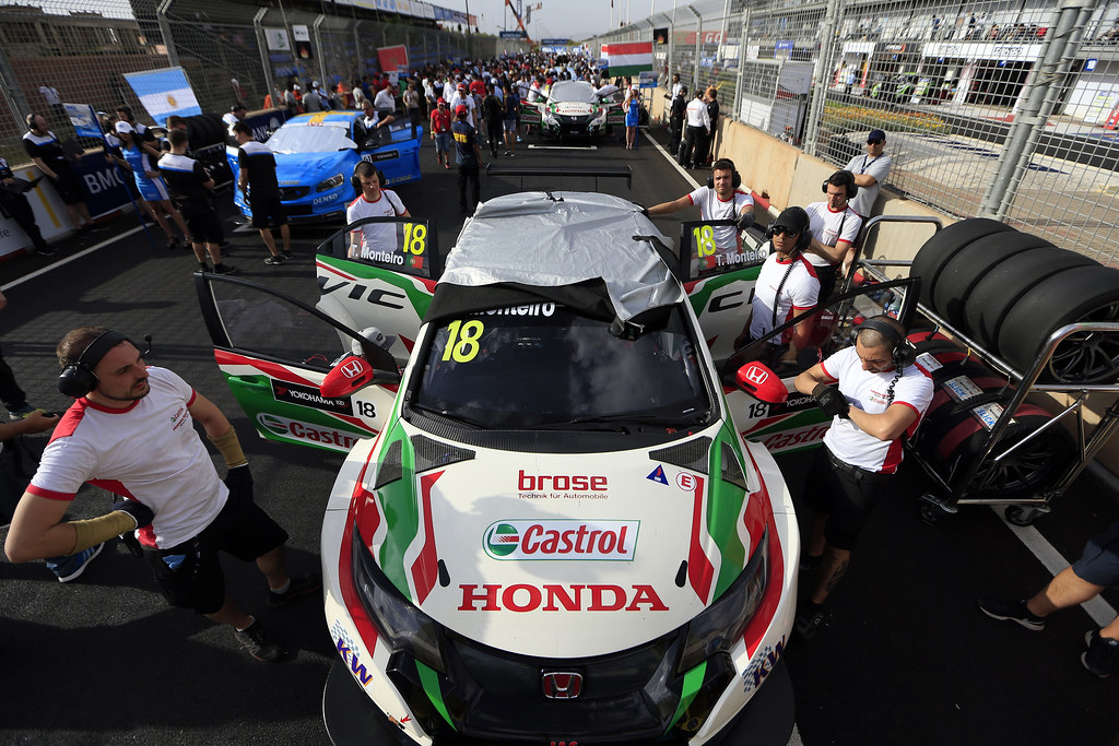pole position MONTEIRO Tiago (prt) Honda Civic team Castrol Honda WTC ambiance portrait during the 2017 FIA WTCC World Touring Car Race of Morocco at Marrakech, from April 7 to 9 - Photo Paulo Maria / DPPI