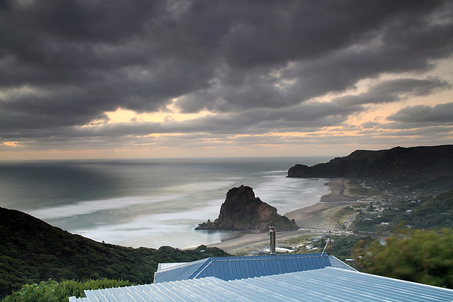 Piha Beach & Lion Rock