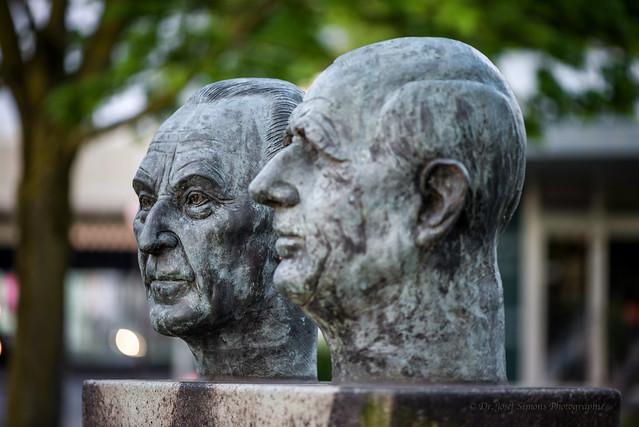 Konrad Adenauer und Charles de Gaulle in Leverkusen