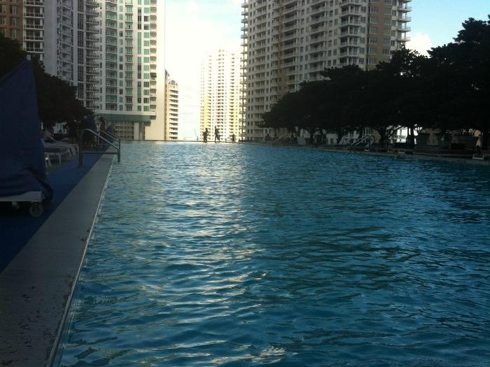 piscina hotel viceroy miami