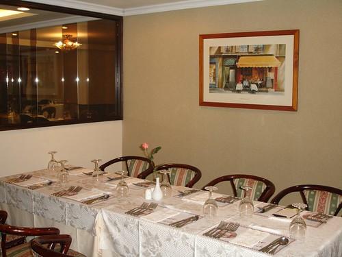 高雄新國際西餐廳的成長-改裝後小包廂