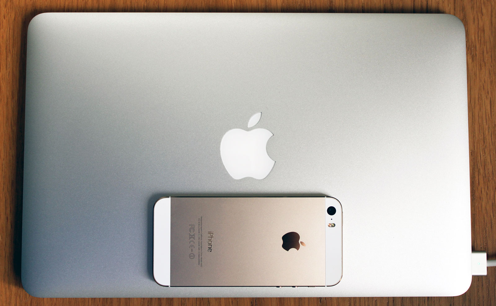 "MacBook Air 11"" and iPhone 5s"