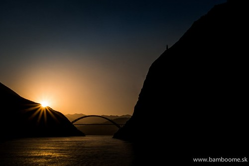 china travel light sunset red orange sun mountains water architecture sunrise river golden three boat fishing fisherman long ship yang hour chongqing gorges sichuan yangzi threegorges chang goldenhour changjiang jiang yangzijiang zi yangziriver longriver changriver 500px ifttt