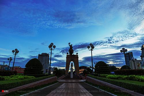 art canon square landscape eos neon foto vietnam saigon dsl naturelandscape quachthitrang bwfutures neonfoto quachthitrangsquare