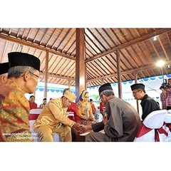 Ijab Qobul. Akad Nikah.   Reni+Agung wedding ceremony, Sept 20, 2014. Wedding day at Sleman Yogyakarta. Wedding photo by @Poetrafoto.   Please log on our web for more photos or check our IG profile for enquiries. Thank you :)