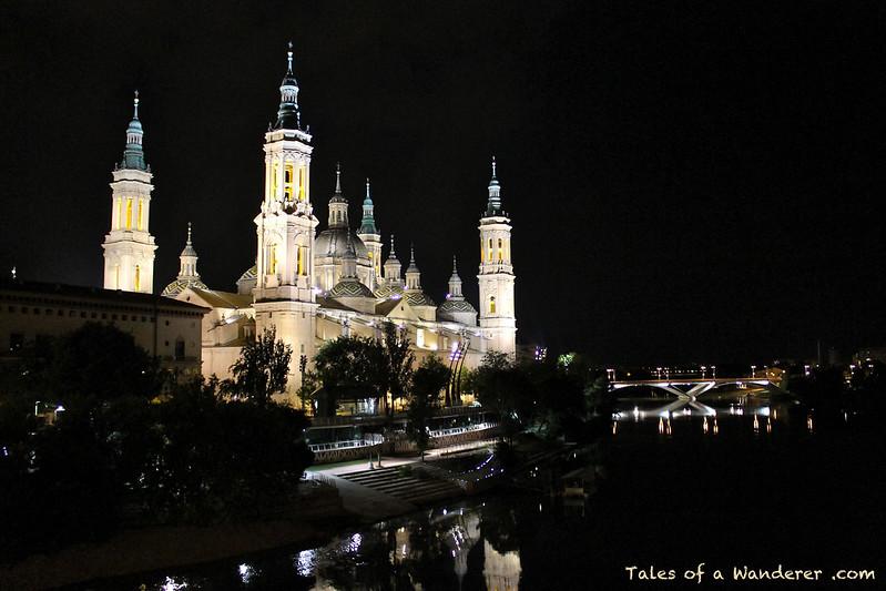 ZARAGOZA - Catedral-Basílica de Nuestra Señora del Pilar / Río Ebro
