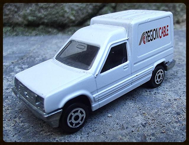 N°233 Renault Express 15239772870_8b7d3464ff_z