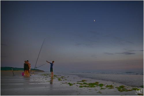 sunset mer moon france beach vacances luna normandie plage manche lun photographe 2014 crépuscule lespieux pêcheur lerozel télémètre leicamtype240