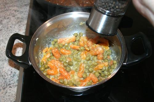 43 - Mit Salz, Pfeffer & Fondor würzen / Season with salt, pepper & fondor