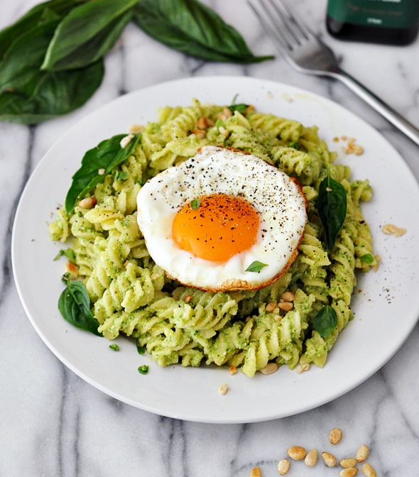 Broccoli Pesto Pasta, A Vegetarian Friendly Recipe - Fuss Free Cooking