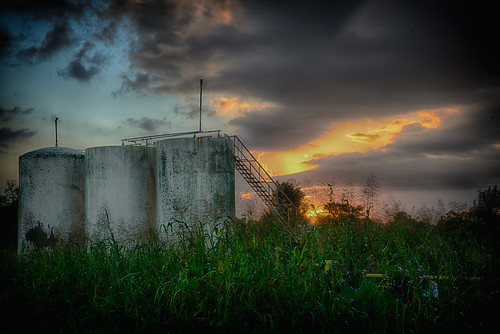 usa horizontal liverpool sunrise landscape dawn early tx rusty farmland reservoir sunrises magichour goldenhour tanks sunup daybreak horizontals graintanks cr171