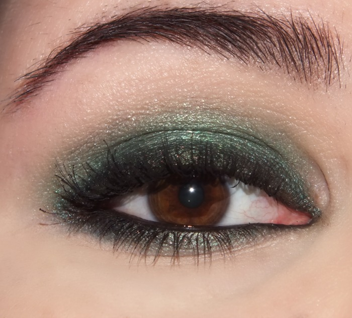 make up for ever artist shadow - emerald and black  (3)