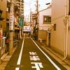 東京巷道的火車