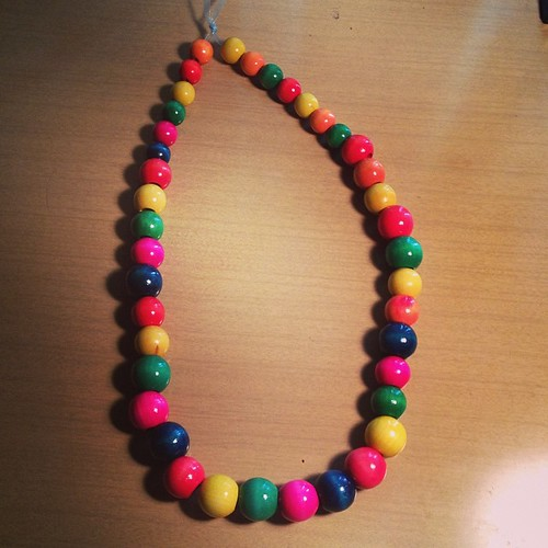 Easy peasy necklace.