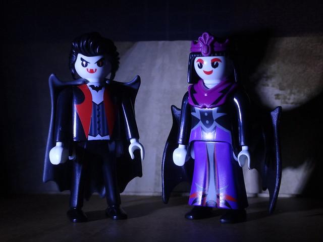 Playmobil Vampire Couple