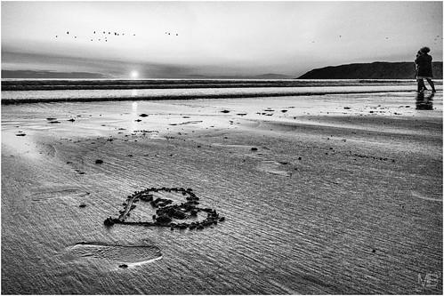 sunset france love beach monochrome les landscape vacances coeur normandie crépuscule plage 2014 pieux sables lovingcouple télémètre leicamtype240