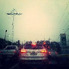 Chuva! Não apenas porque estávamos precisando, mas porque eu realmente gosto de chuva. =) #100happydays #day52