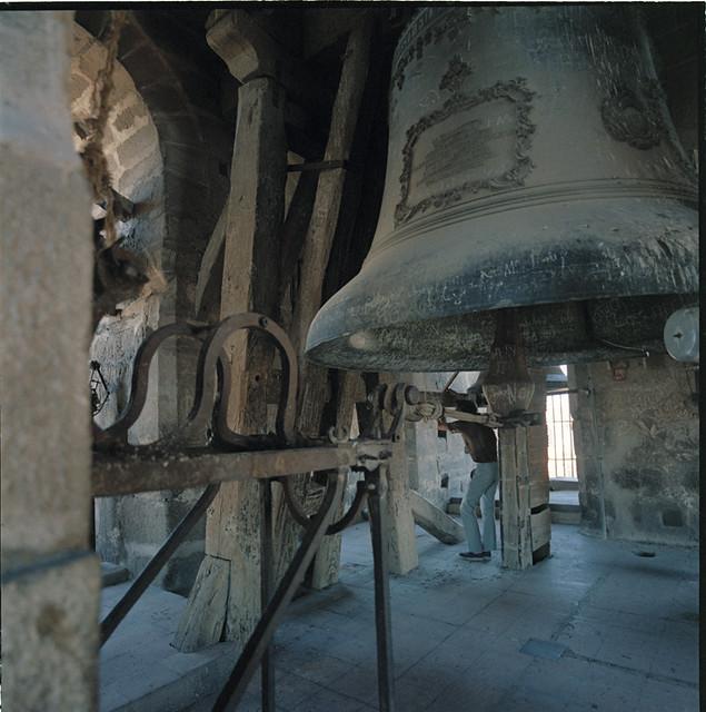 Campana gorda de la Catedral de Toledo en los años 60. Fotografía de Francesc Catalá Roca © Arxiu Fotogràfic de l'Arxiu Històric del Col·legi d'Arquitectes de Catalunya. Signatura B_39231_3511