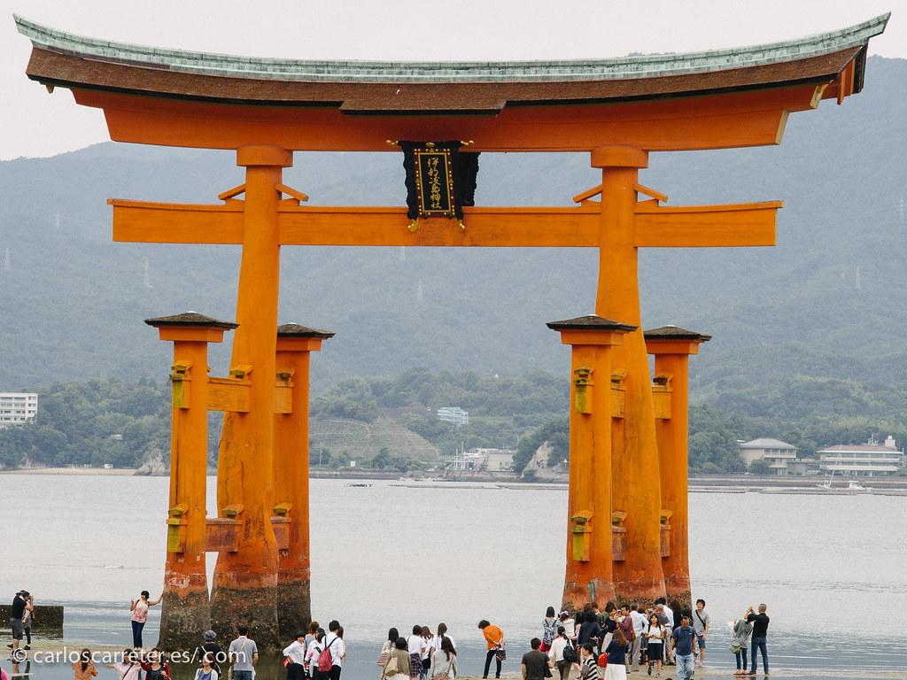 Tori del santuario de Itsukushima - Isla de Miyajima