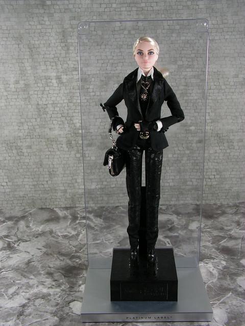 2014 Karl Lagerfeld Barbie BCP92 (13)