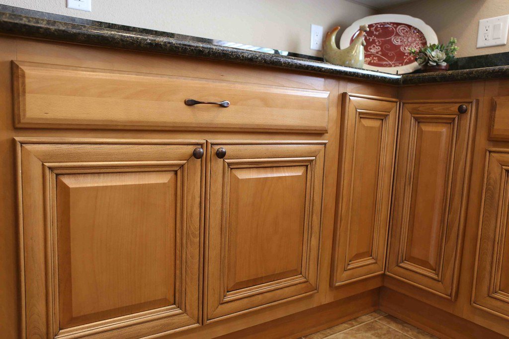 Sterling home showcase cottonwood for Butternut kitchen cabinets