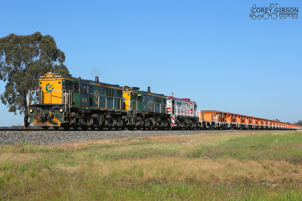 48s28, 869 & 48s33 working the 3M38 ballast train between Temora & Combanning by Corey Gibson
