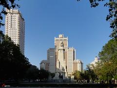 Plaza de España.  D.E.P.